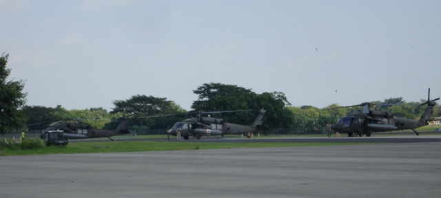"""Helicópteros del US ARMY, asignados a la """"Task Force Bravo"""" (foto B7)."""